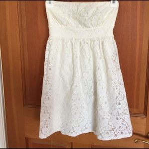 Forever 21 Dresses - FOREVER 21 DRESS STRAPLESS LACE CREAM SIZE S